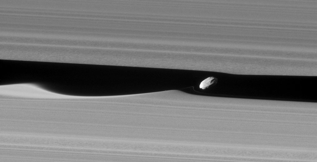 Saturn's Moon Daphnis
